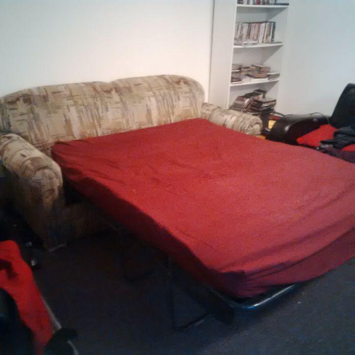 Divan lit vendre au plus vite achat vente for Petit divan lit