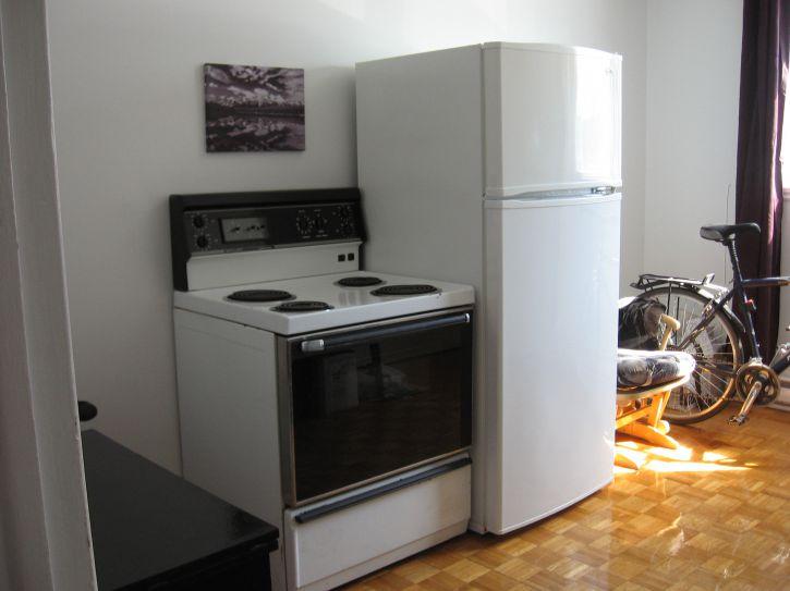 po le et frigidaire a vendre achat vente electrom nager laval le grand garage. Black Bedroom Furniture Sets. Home Design Ideas