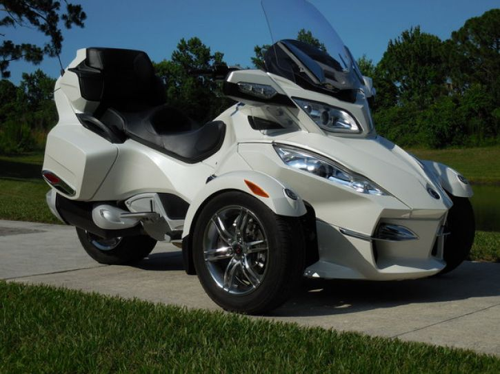 Motos 3 roues Can Am Spyder 1000 RT limited se5-1