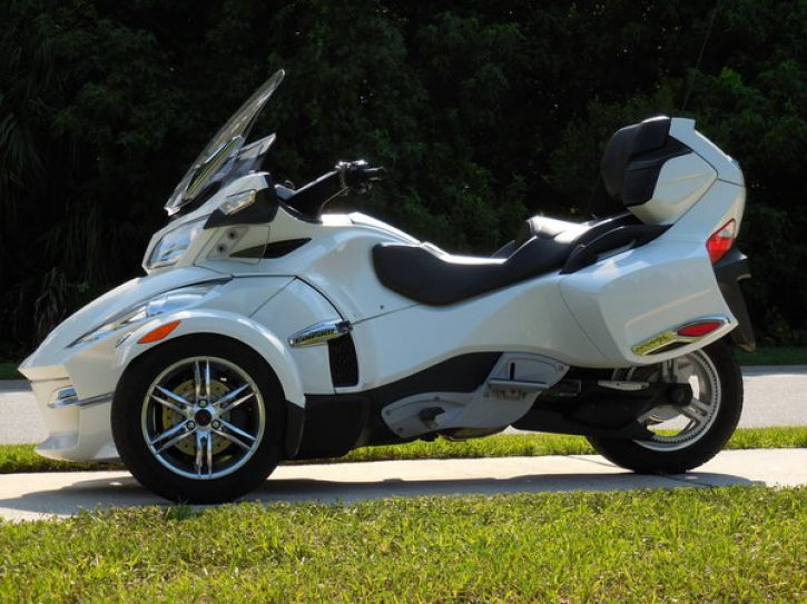Motos 3 roues Can Am Spyder 1000 RT limited se5