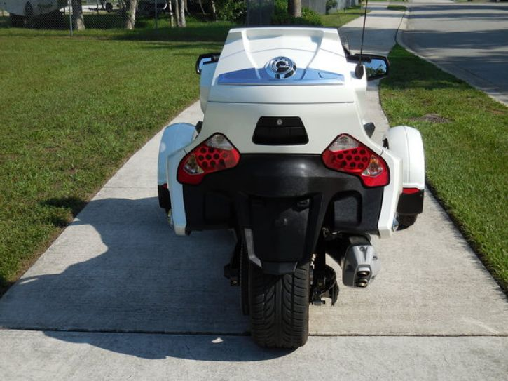 Motos 3 roues Can Am Spyder 1000 RT limited se5-2