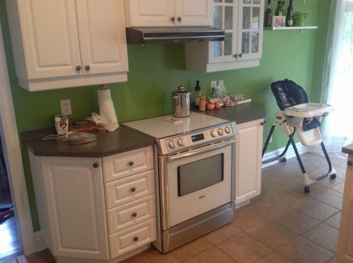armoires de cuisine en thermo blanc vendre achat. Black Bedroom Furniture Sets. Home Design Ideas