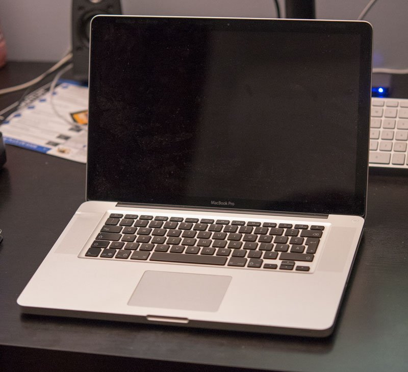 apple macbook pro 15 2010 i7 8go ram 500go. Black Bedroom Furniture Sets. Home Design Ideas