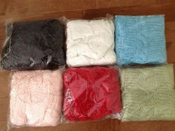 LOT 890 PONCHOS FEMMES ONE SIZE,6 COULEURS,5$CH-thumb