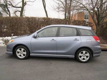 2004 Toyota Matrix-thumb